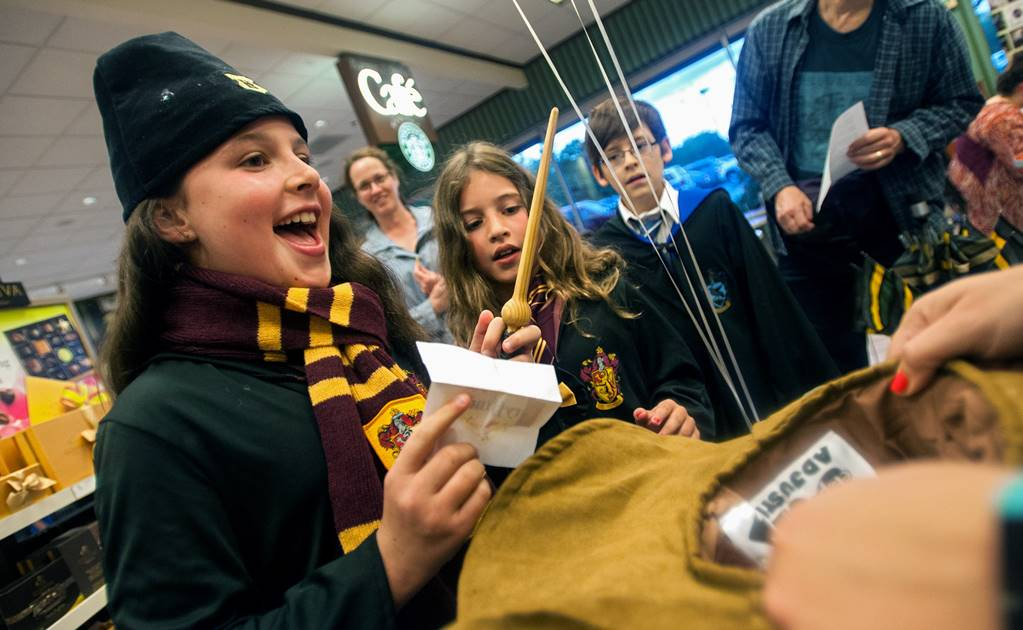 Fans de Harry Potter compran el guion de la obra teatral