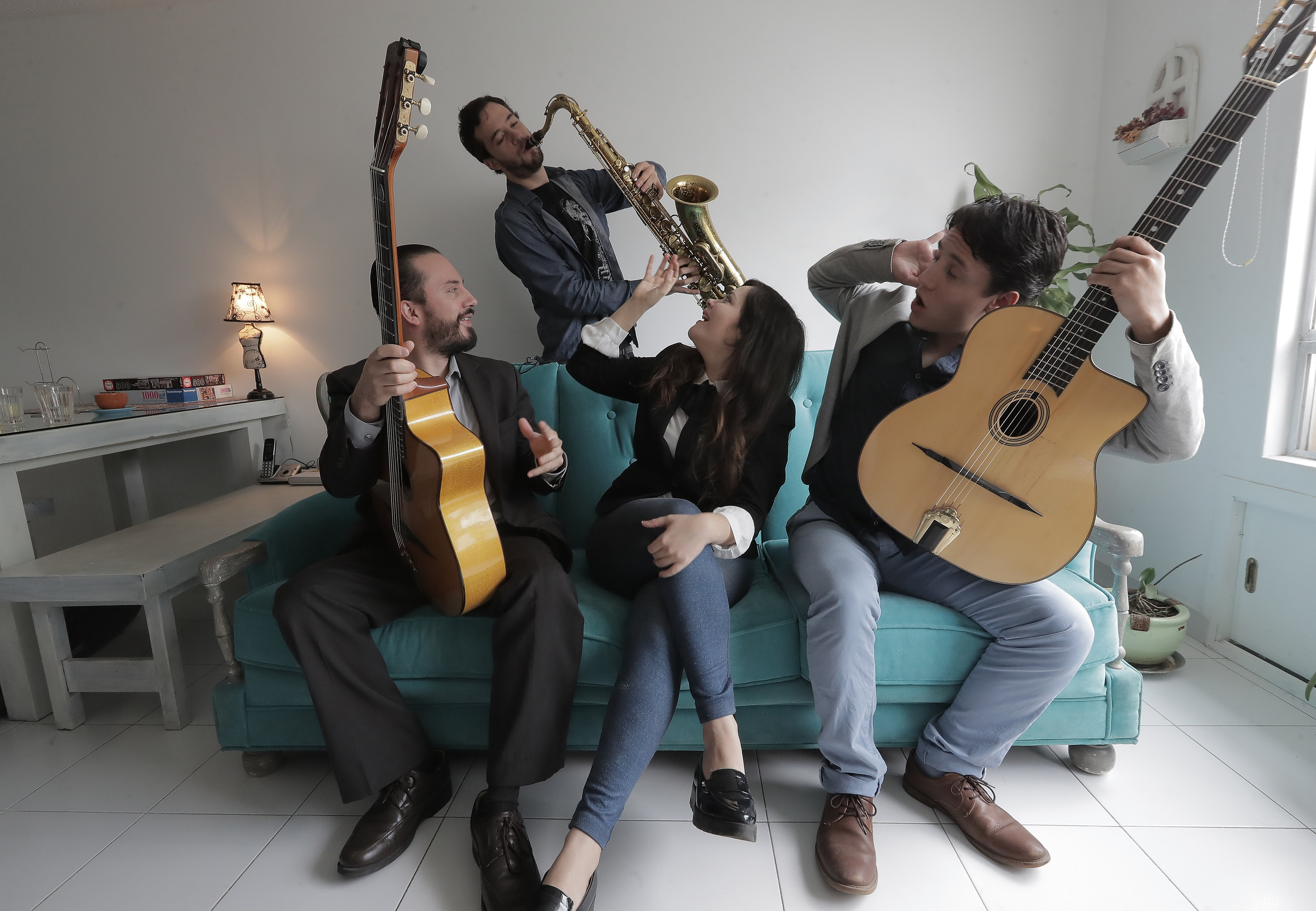 Swingfónica is a jazz manouche ensemble based in Mexico City
