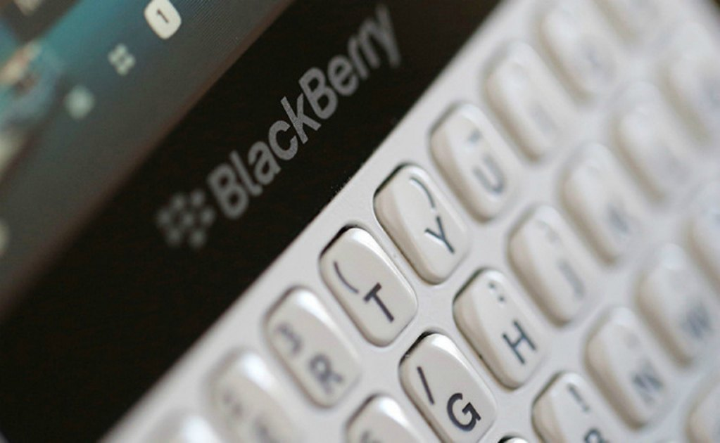 Blackberry demanda a Facebook