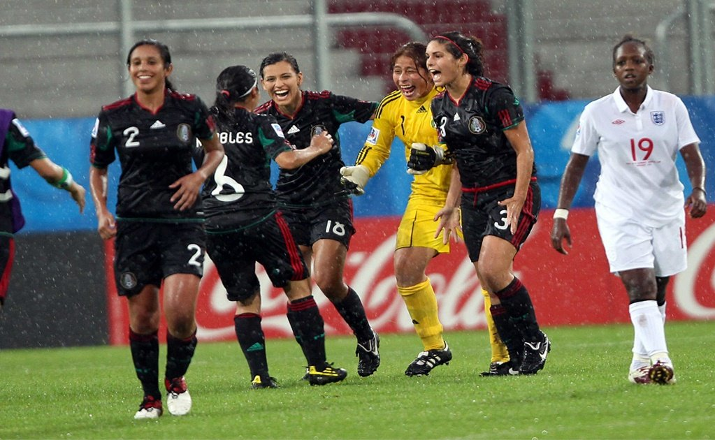 Women want to earn a living by playing football