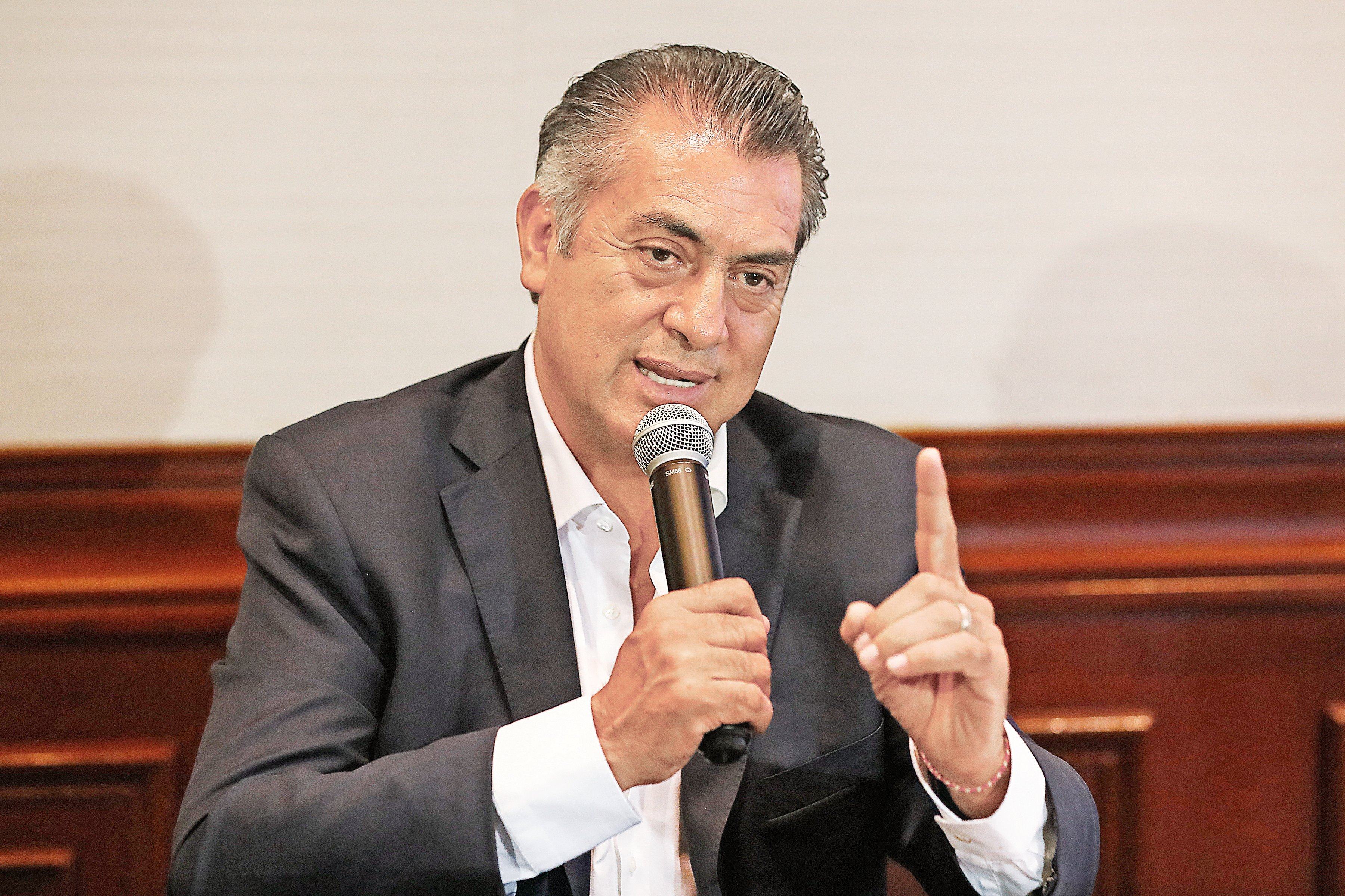 "Determina INE multar a ""El Bronco"" por financiamiento irregular"