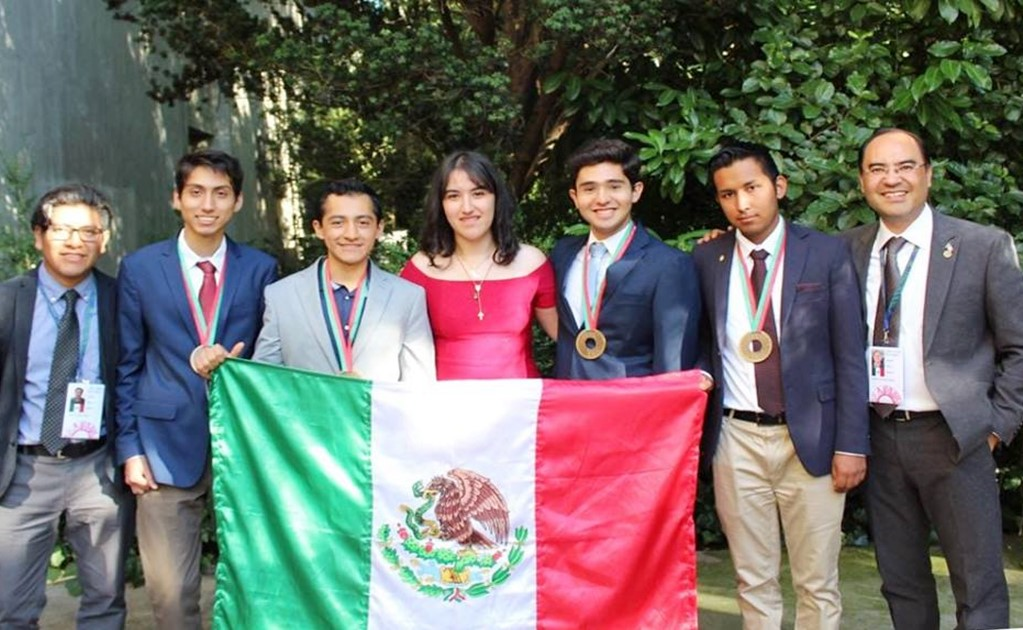 Mexican students win bronze at the 2018 International Physics Olympiad