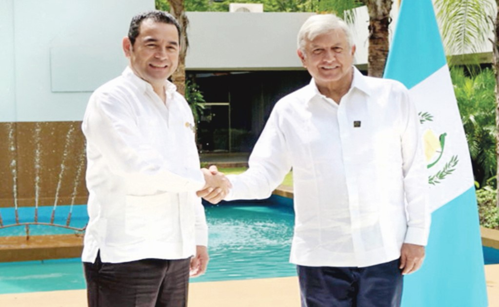 The Presidential guard is keeping an eye on AMLO