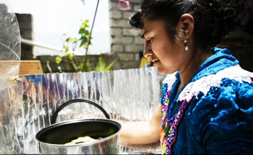 Oaxaca: cooking with solar pots and ovens