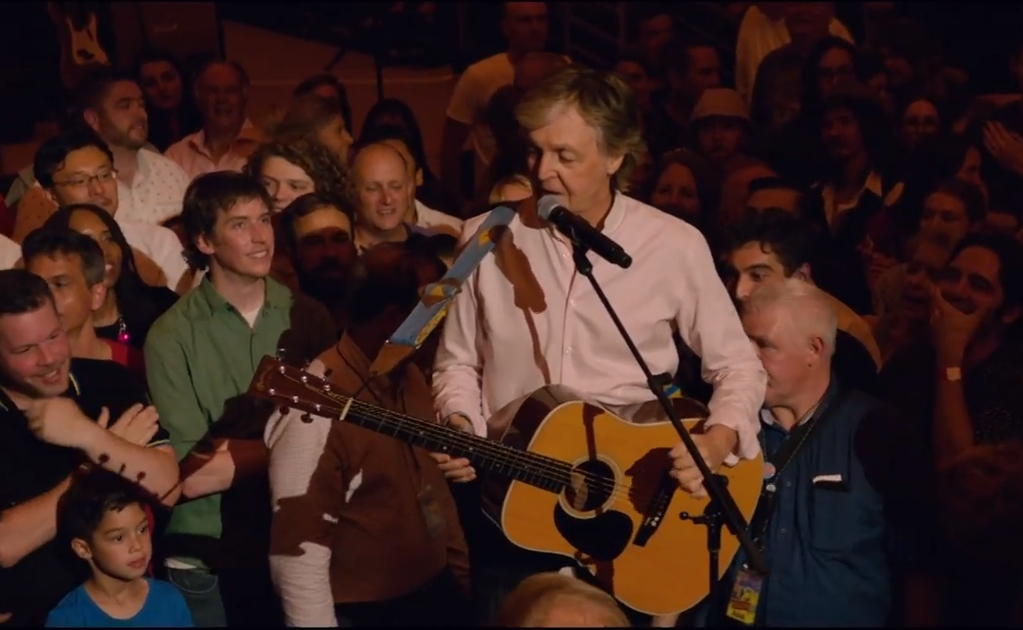 Paul McCartney cimbra internet con concierto en vivo por YouTube