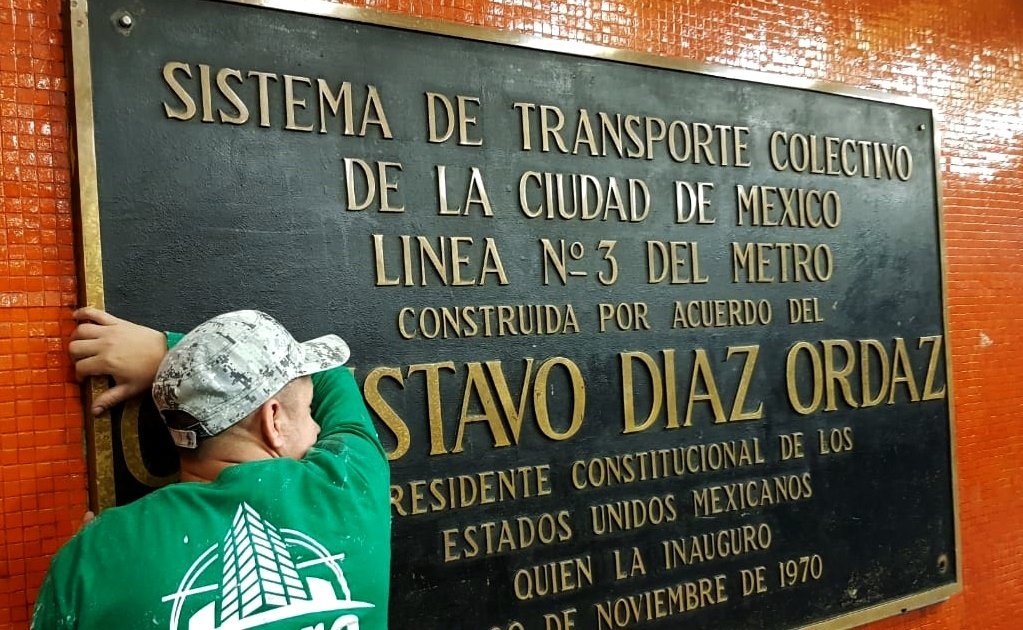 Mexico City takes down plaques of Gustavo Díaz Ordaz
