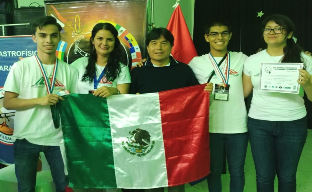 Mexican students stand out at the Astronomy and Astronautics Olympiad