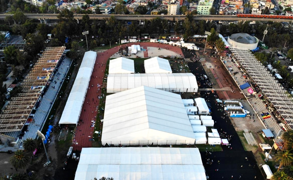 Migrants' shelter in Mexico City proves insufficient