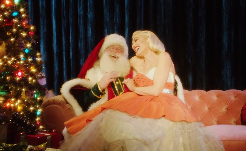 Gwen Stefani se transforma en Marilyn Monroe en video navideño