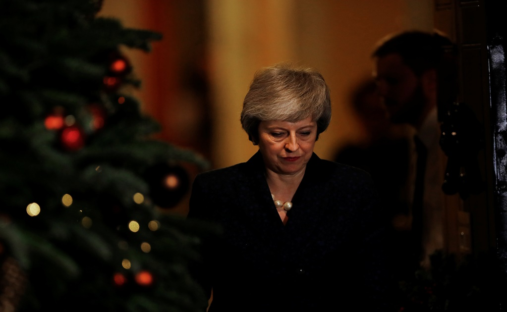 May extends Brexit agony, while the UK is preparing for a no-deal scenario with Europe