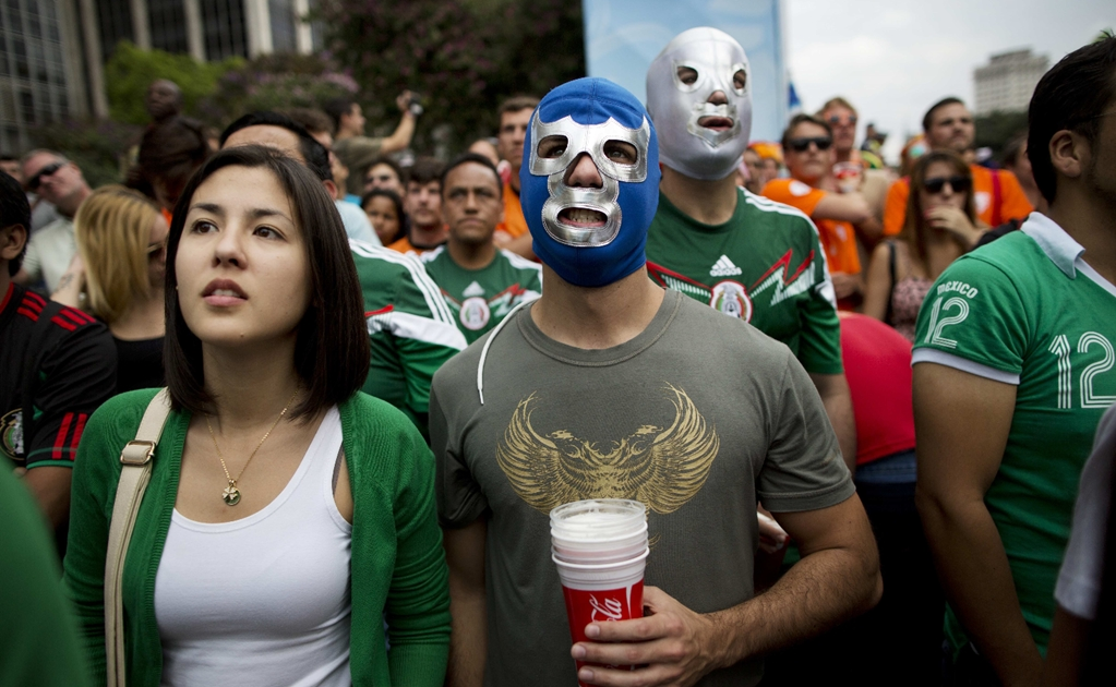Mexican soccer fan stays in Russia and opens bar