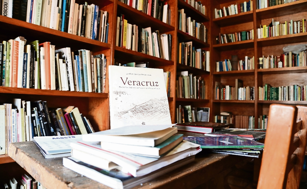 Sergio Pitol's book collection donated to University of Veracruz