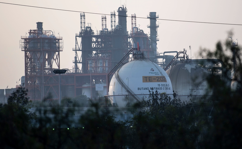 Mexico reduces fuel imports from U.S. refineries