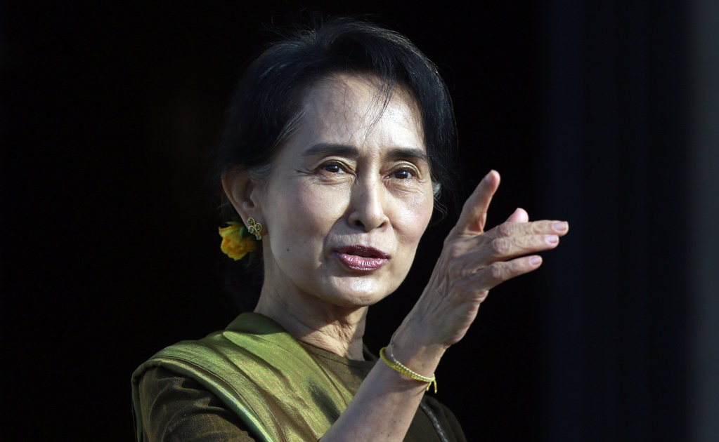 Myanmar Suu Kyi's party set to challenge army-drafted charter