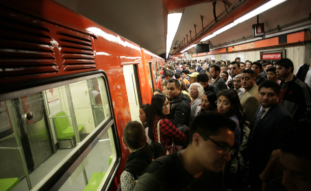 Mexicans spend 19% of their income on public transport