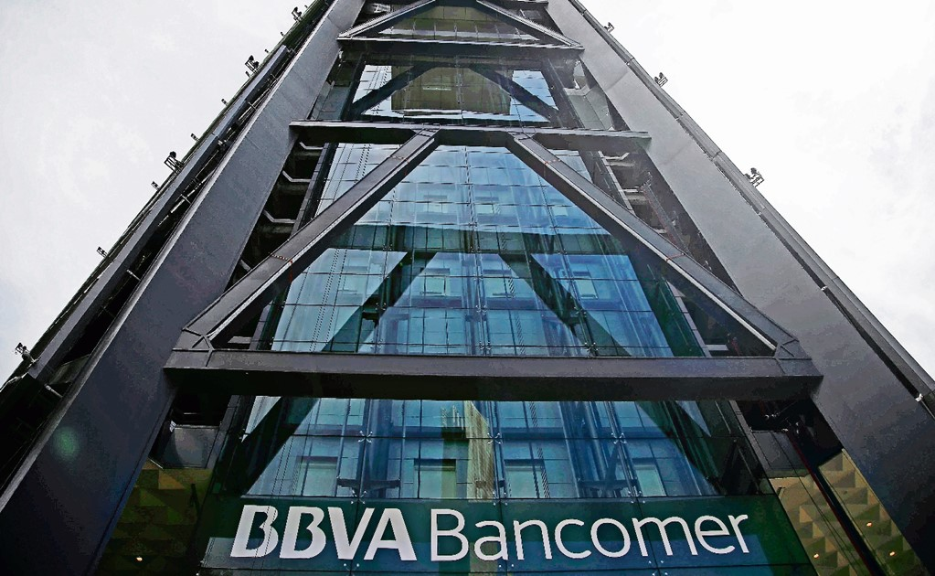 Bank headquarters in Mexico City evacuated due to threats