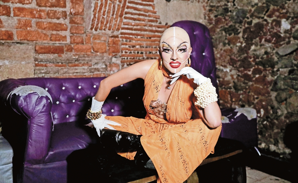 Mexican drag queens fight prejudice with high heels and glitter