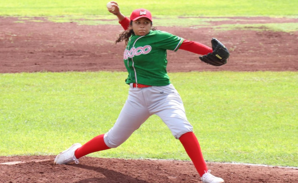 Mexican pitcher breaks sexism barrier