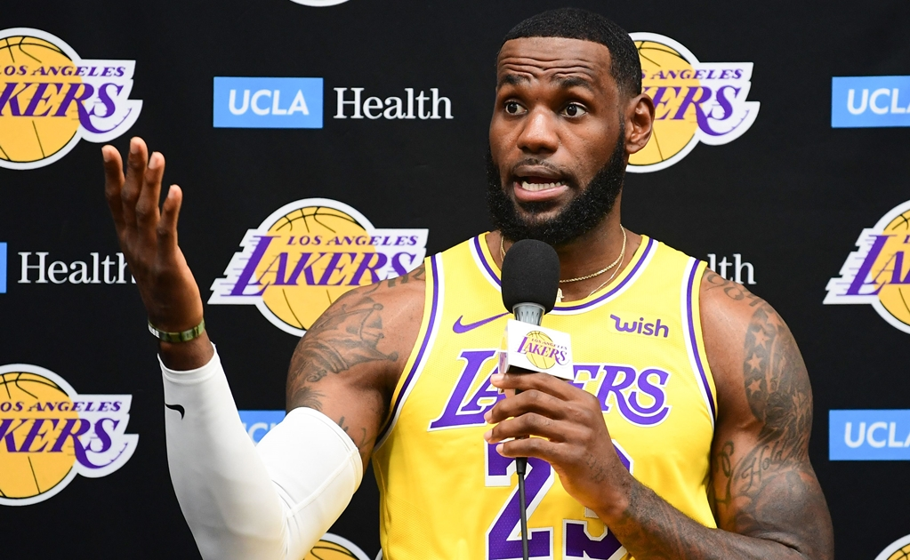 Daryl Morey no estaba informado: LeBron James