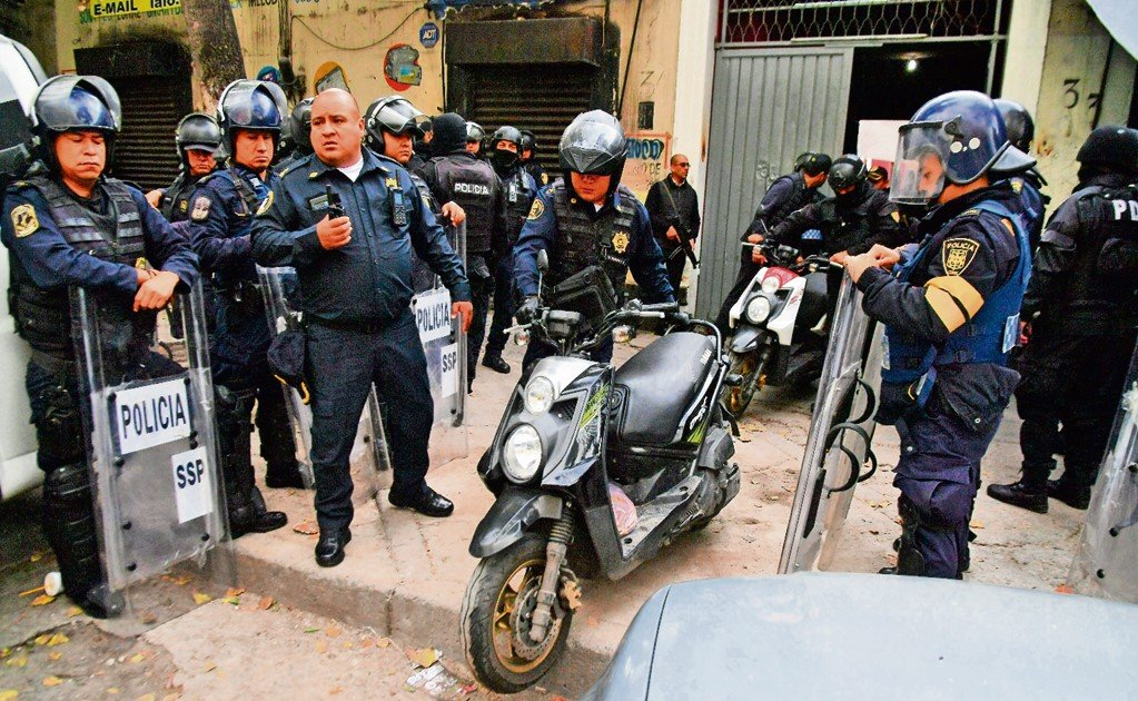 27 suspected cartel members are freed in Mexico City