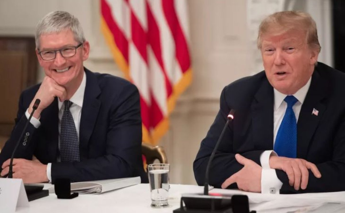 Tim-Cook-Donald-Trump-