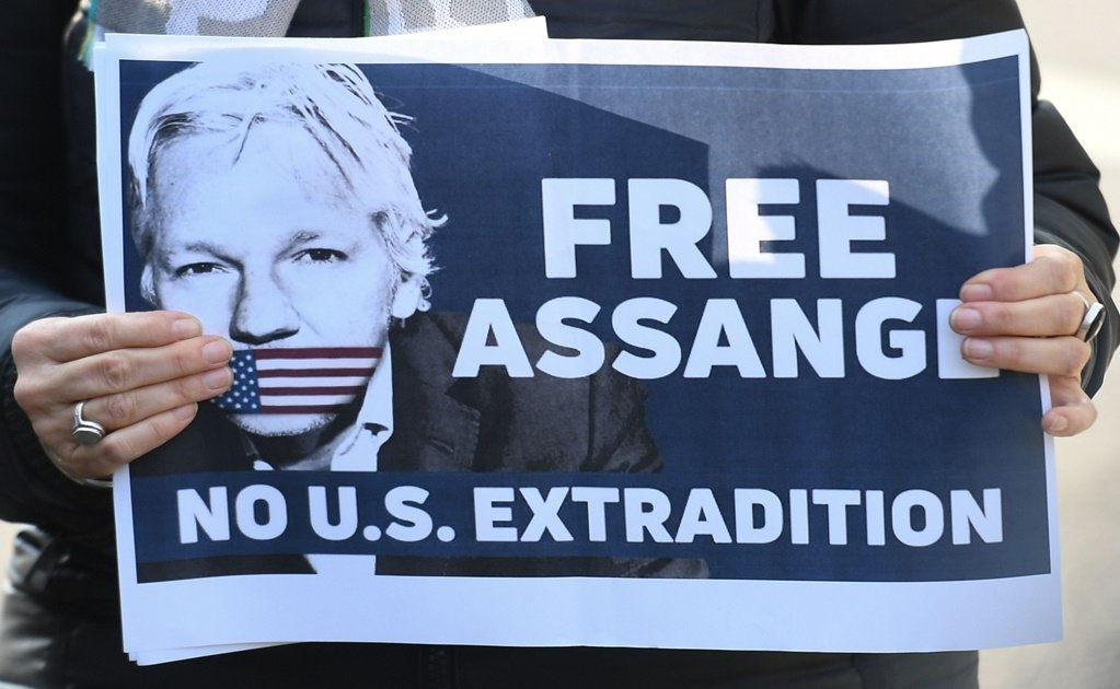 Mexico's president calls for WikiLeaks founder Julian Assange's release