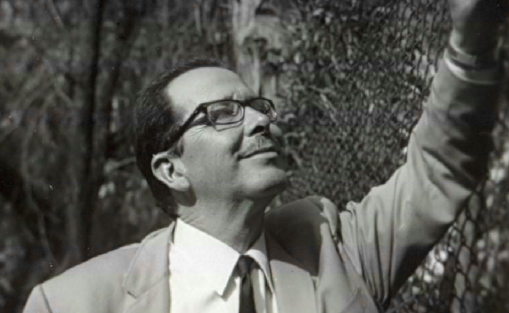 Guillermo Haro, the first Mexican astronomer elected to the Royal Astronomical Society