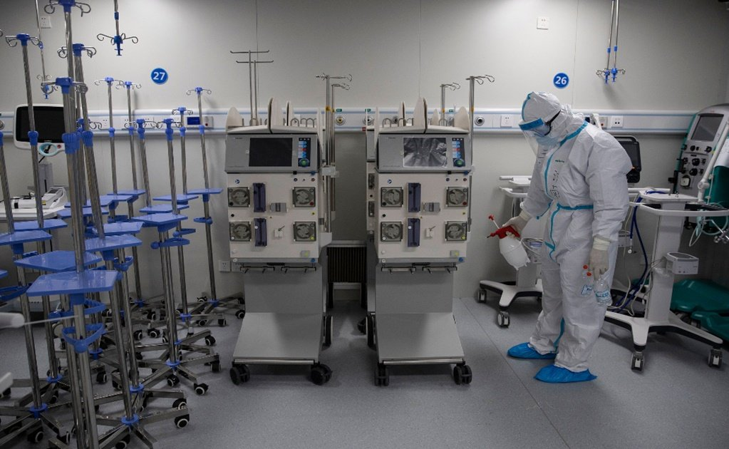 Guadalajara's civil hospitals will be the first in Mexico to use a UV light disinfection robot