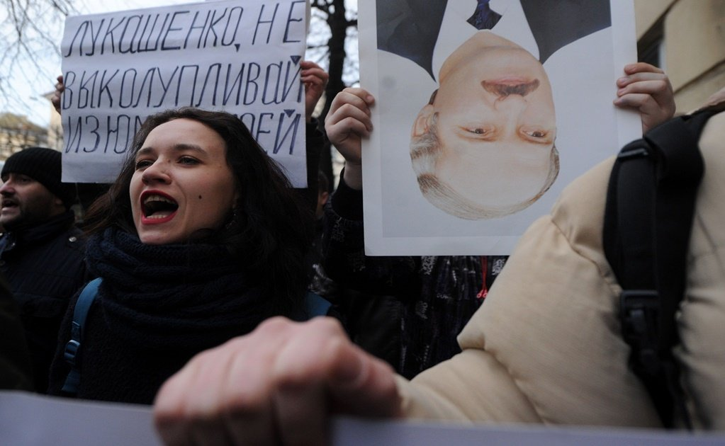 Belarus protests: President Alexander Lukashenko remains defiant after largest protest in country's history