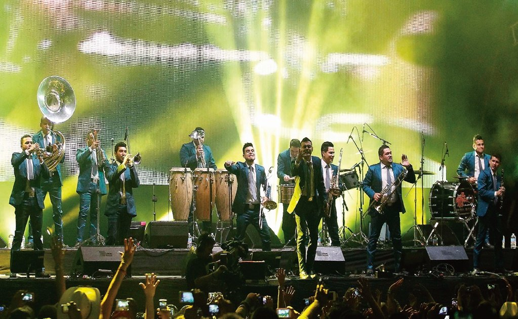 Mexican band El Recodo to give one-of-a-kind drive-in concert in the U.S.