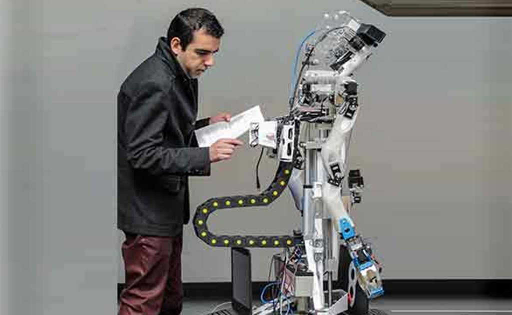 Mexican expert designs high-level service robots