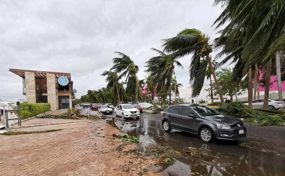 """After passing """"Delta"""", Cancun wakes up disheveled but standing up"""