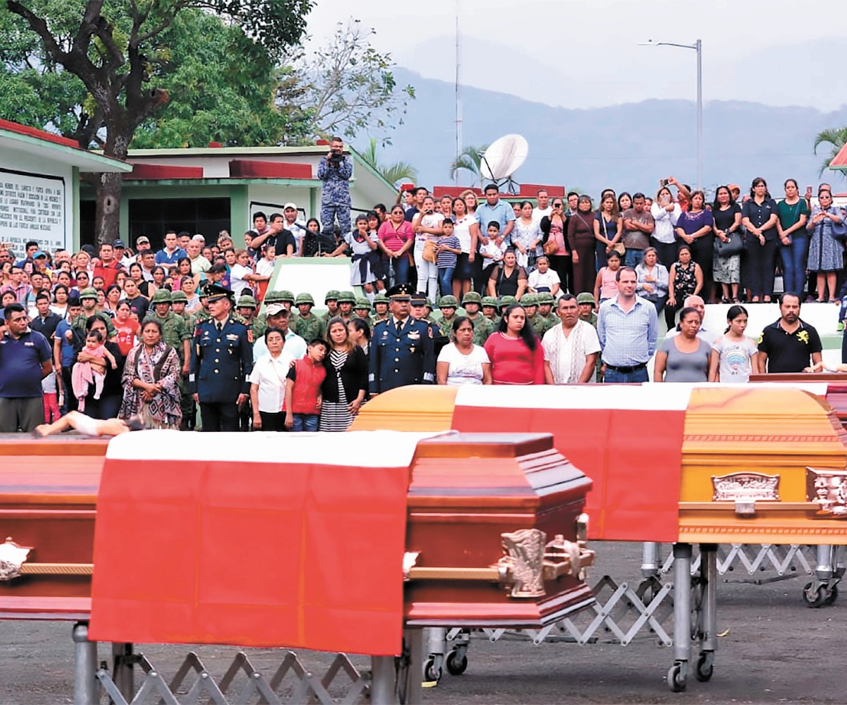 Despiden a militares muertos en accidente