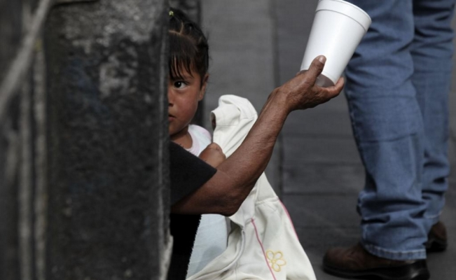 Half of children in Mexico live in poverty