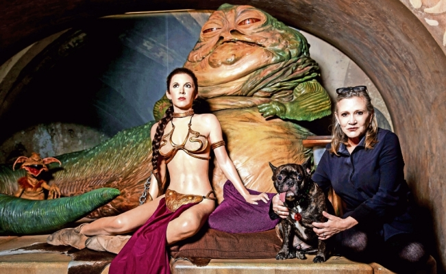 Carrie Fisher ya brilla en una galaxia lejana