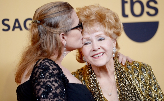 Falleció la actriz Debbie Reynolds, madre de Carrie Fisher