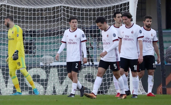 Verona golea al Milan de local