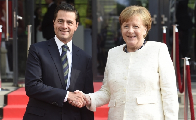 Peña Nieto encourages investment opportunities at Hannover Fair