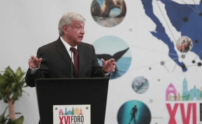 """Obrador not """"closed"""" to the possibility of building new Mexico City airport"""