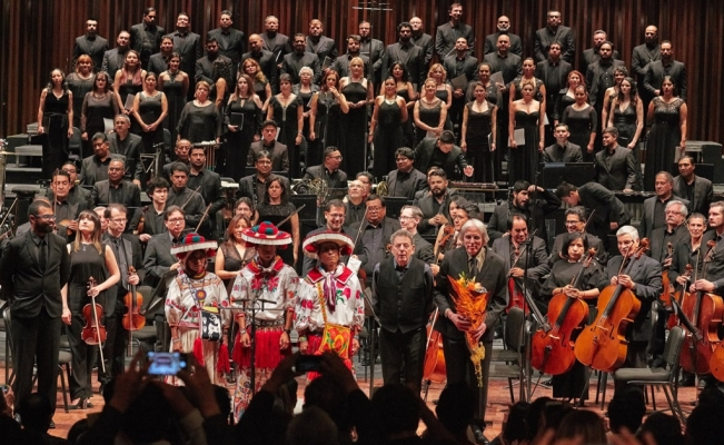 Philip Glass celebrates Mexican music at Bellas Artes