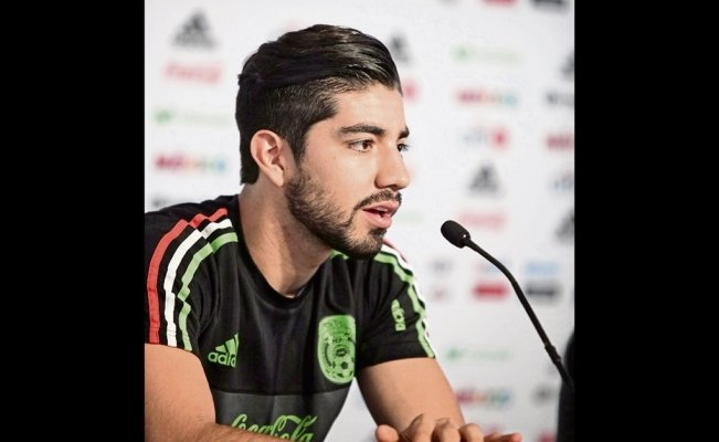 Rodrigo Pizarro rants about Mexico's national football team and is left out of the World Cup