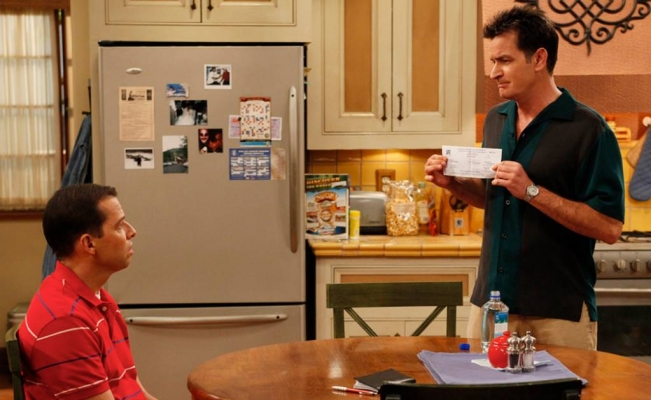 """Charlie Sheen quiere que """"Two and a Half Men"""" regrese"""