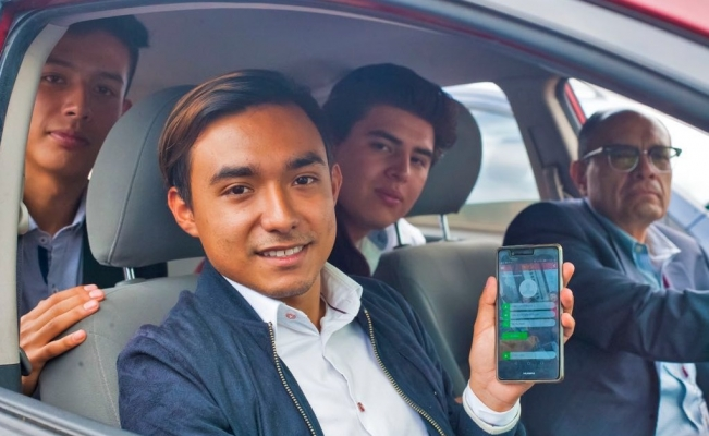 Mexican students develop a safe transport app