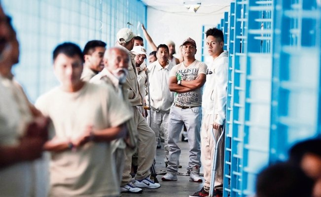 Art gives wings to Mexican inmates