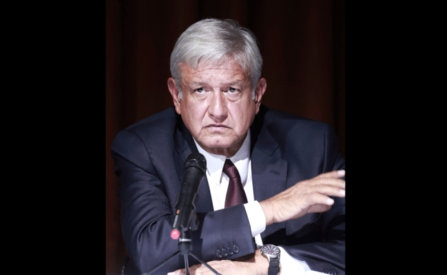 Taxes might lessen savings generated by AMLO's wage cuts