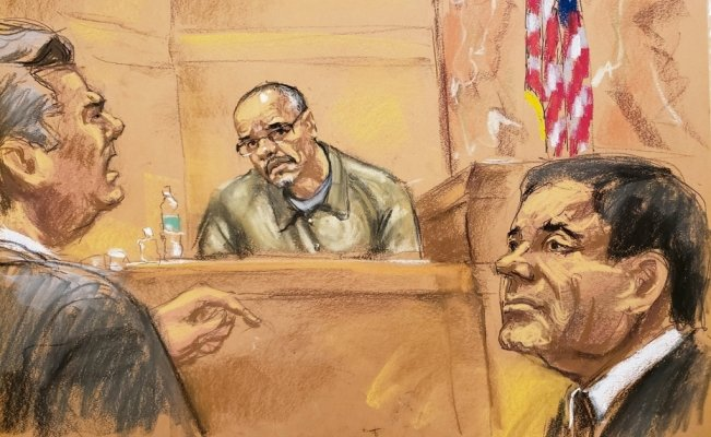 El Chapo in tears after seeing his twin daughters in court