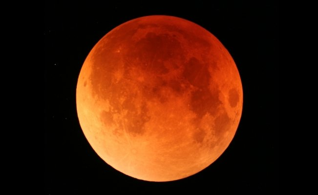 Everything you need to know about the Super Blood Moon