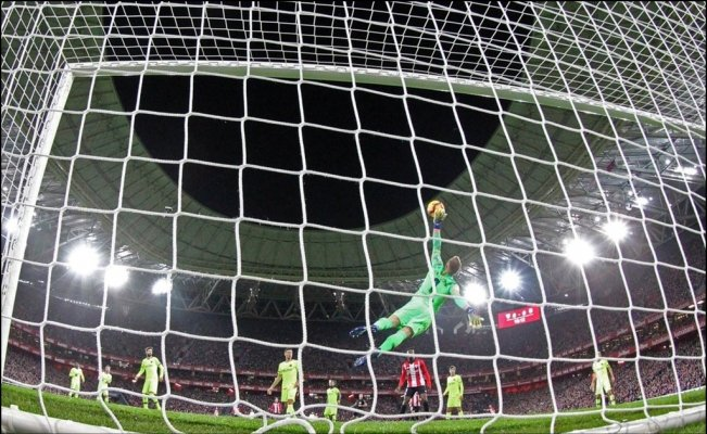 La espectacular atajada de Ter Stegen frente al Athletic