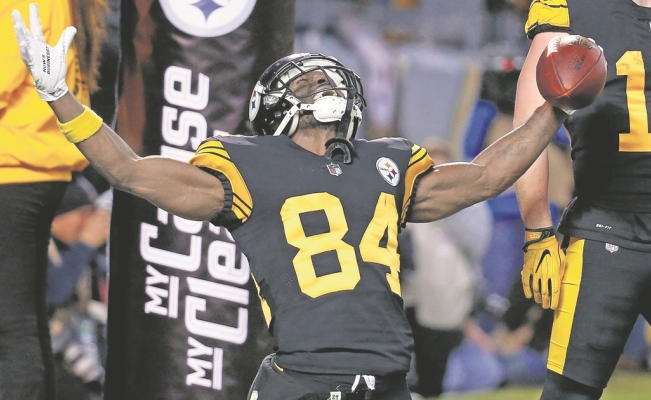 Antonio Brown se niega a ir a los Bills de Buffalo