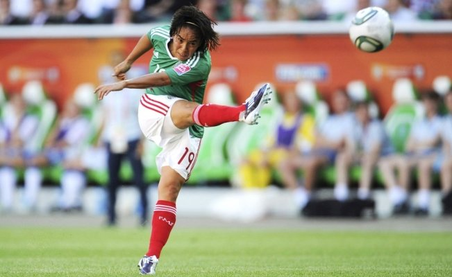 Meet the Mexican soccer player who scored the best goal in history